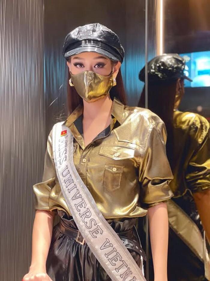 Khánh Vân có cả BST khẩu trang xịn sò, vừa đẹp vừa an toàn trong mùa đại dịch Ảnh 2