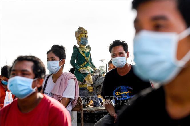 Cuộc đua thời gian giữa tiêm chủng và những đợt bùng phát mới tại Campuchia Ảnh 1