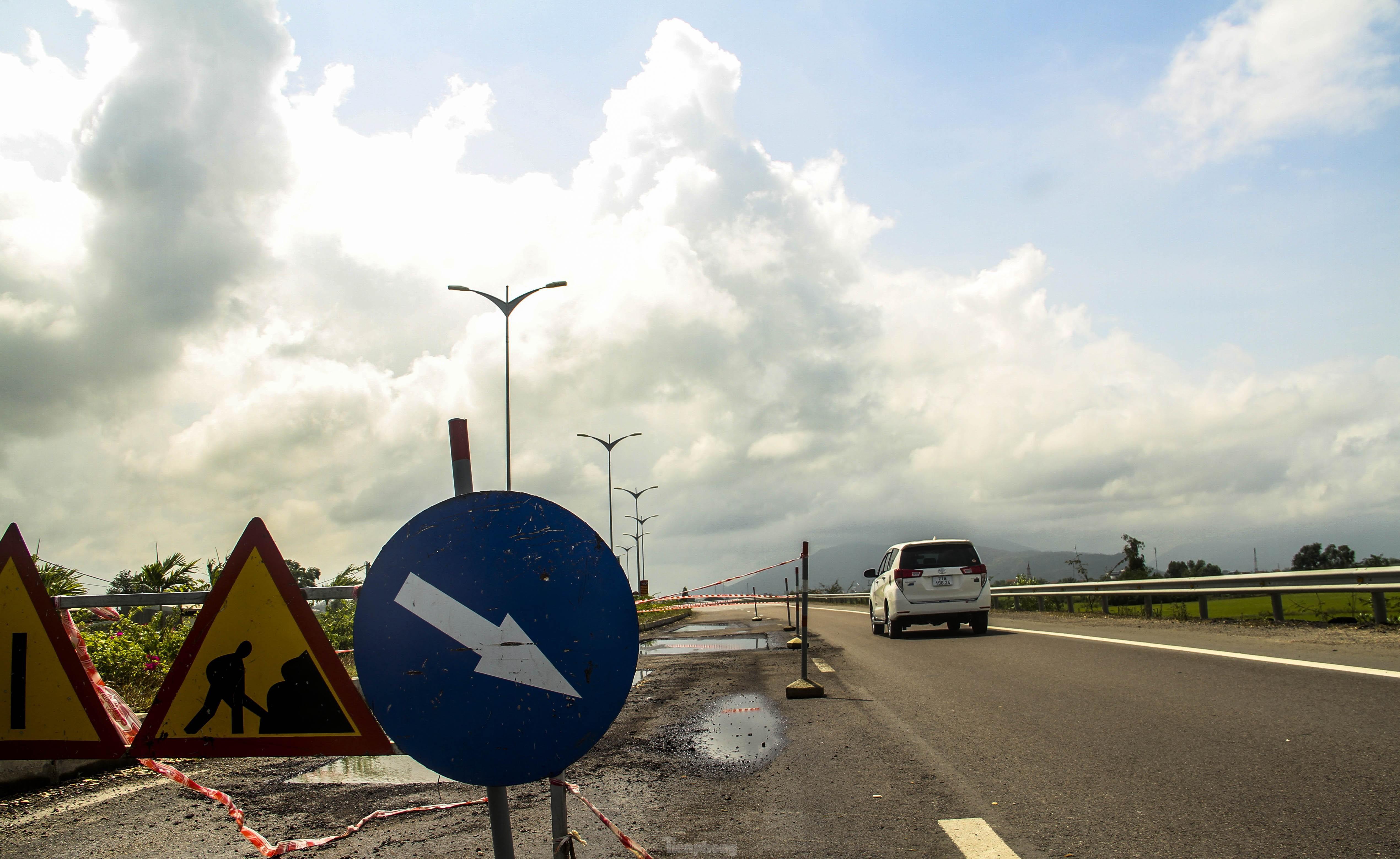 Quốc lộ nghìn tỷ vừa thông xe đã hư hỏng: Phê bình, kiểm điểm chủ đầu tư, nhà thầu Ảnh 2