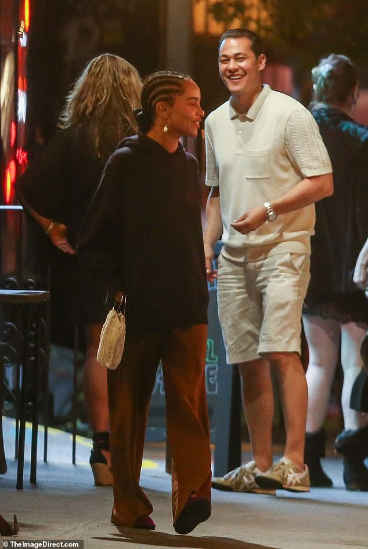 Katie Holmes điệu đà ra phố sau khi tình cũ bị bắt gặp đi chơi cùng người đẹp Zoe Kravitz Ảnh 3