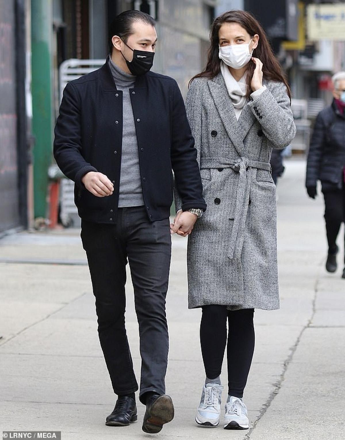 Katie Holmes điệu đà ra phố sau khi tình cũ bị bắt gặp đi chơi cùng người đẹp Zoe Kravitz Ảnh 5