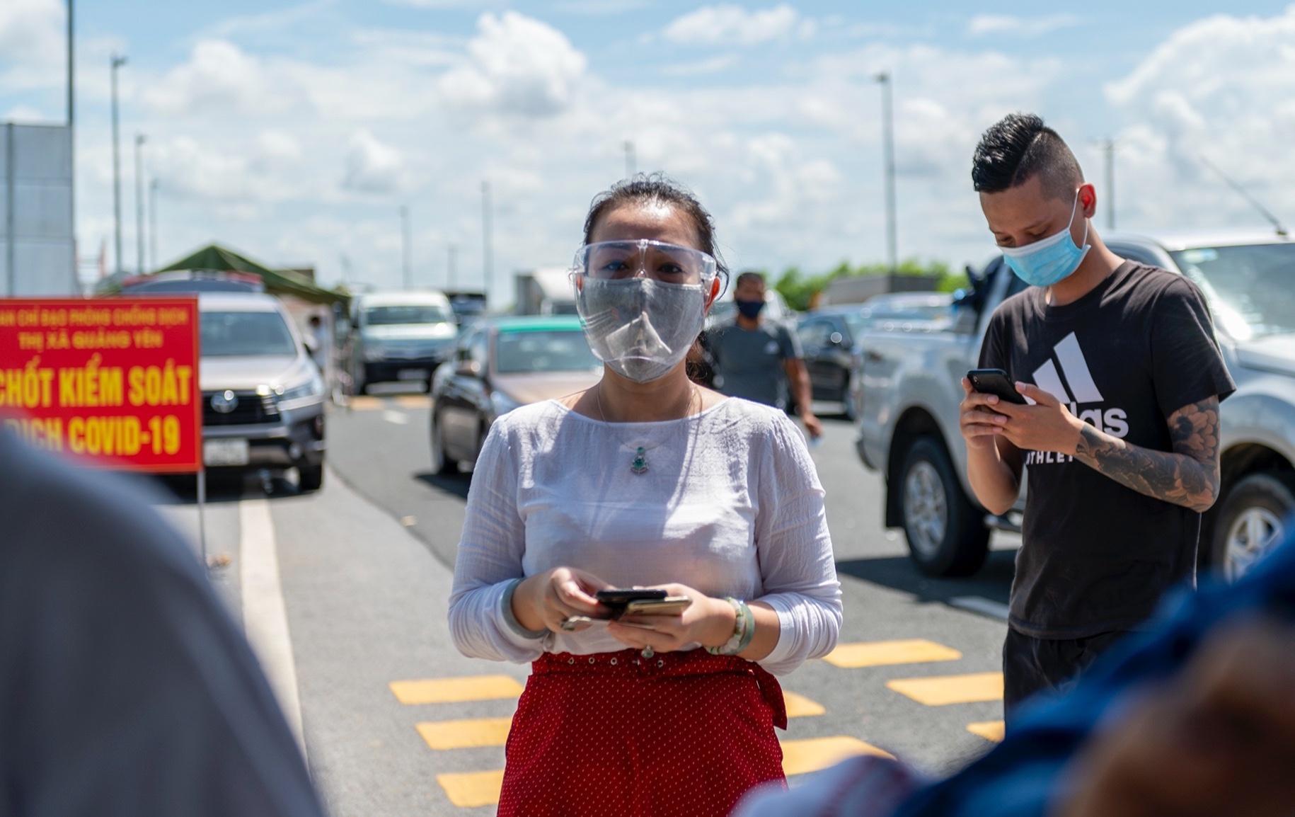 Người Hà Nội không qua được chốt kiểm dịch ở Quảng Ninh Ảnh 5