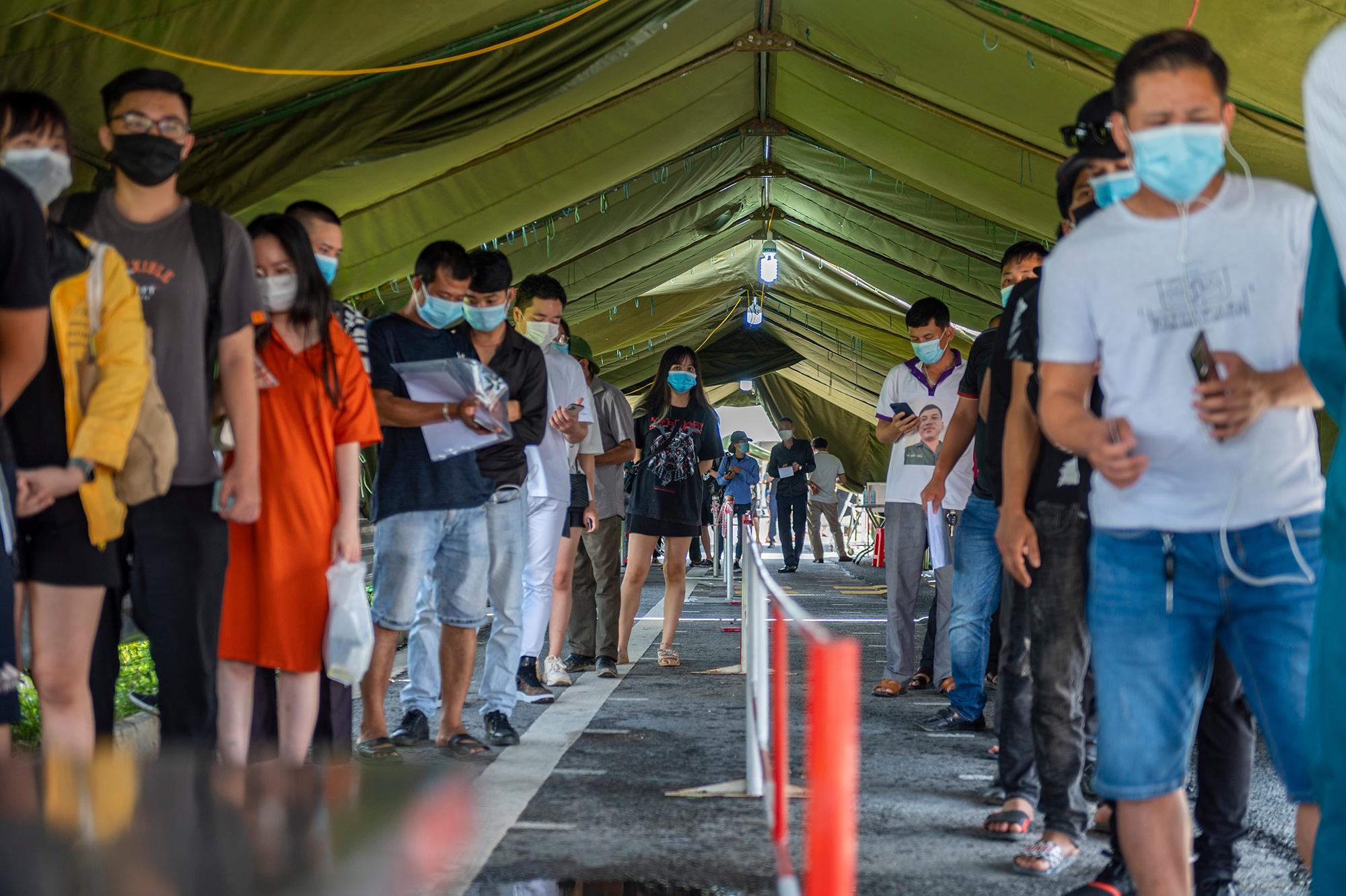 Người Hà Nội không qua được chốt kiểm dịch ở Quảng Ninh Ảnh 11