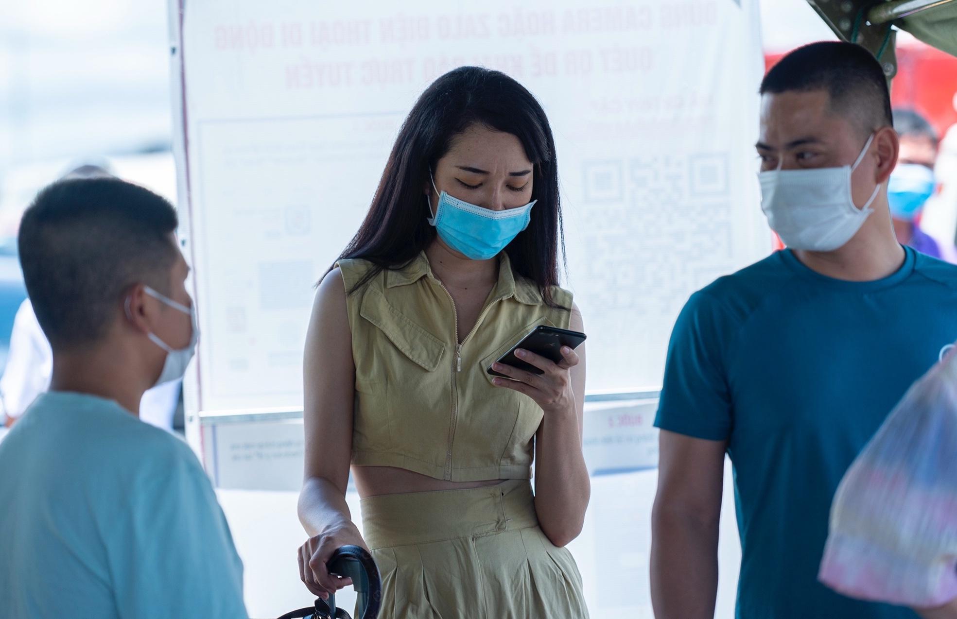 Người Hà Nội không qua được chốt kiểm dịch ở Quảng Ninh Ảnh 4