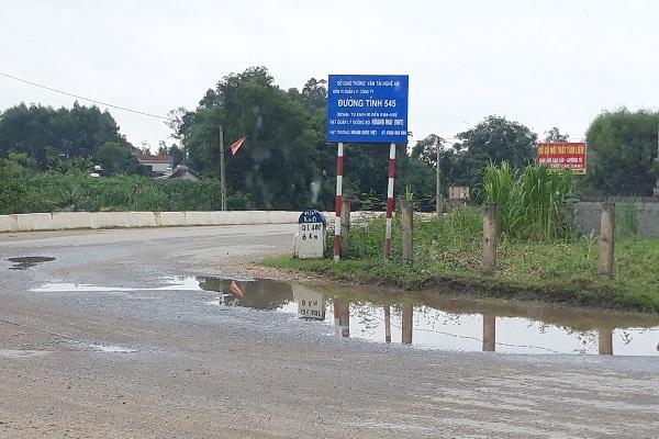 Đường mòn Hồ Chí Minh đoạn qua Nghệ An xuất hiện nhiều điểm xuống cấp, hư hỏng nặng Ảnh 3