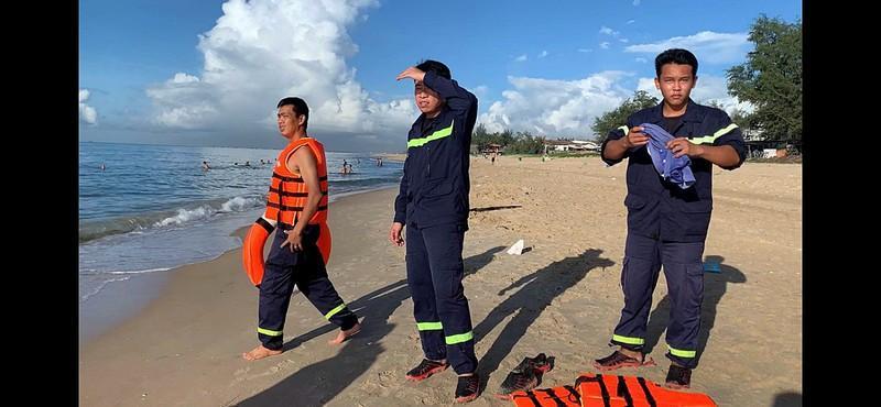 Thanh niên mất tích sau khi cứu sống 3 người ở biển Bình Thuận Ảnh 1