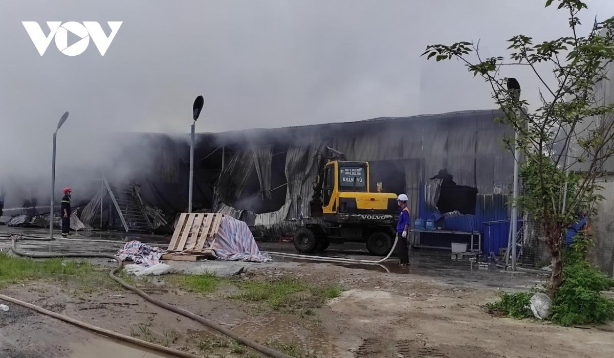 Cháy lớn thiêu rụi xưởng lắp ráp bóng đèn tại Hải Phòng Ảnh 2