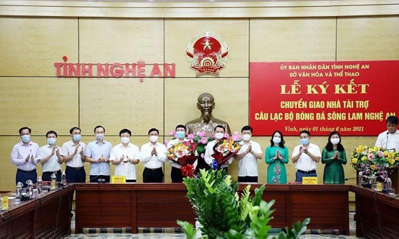 CLB bóng đá Sông Lam Nghệ An chuyển giao nhà tài trợ Ảnh 1