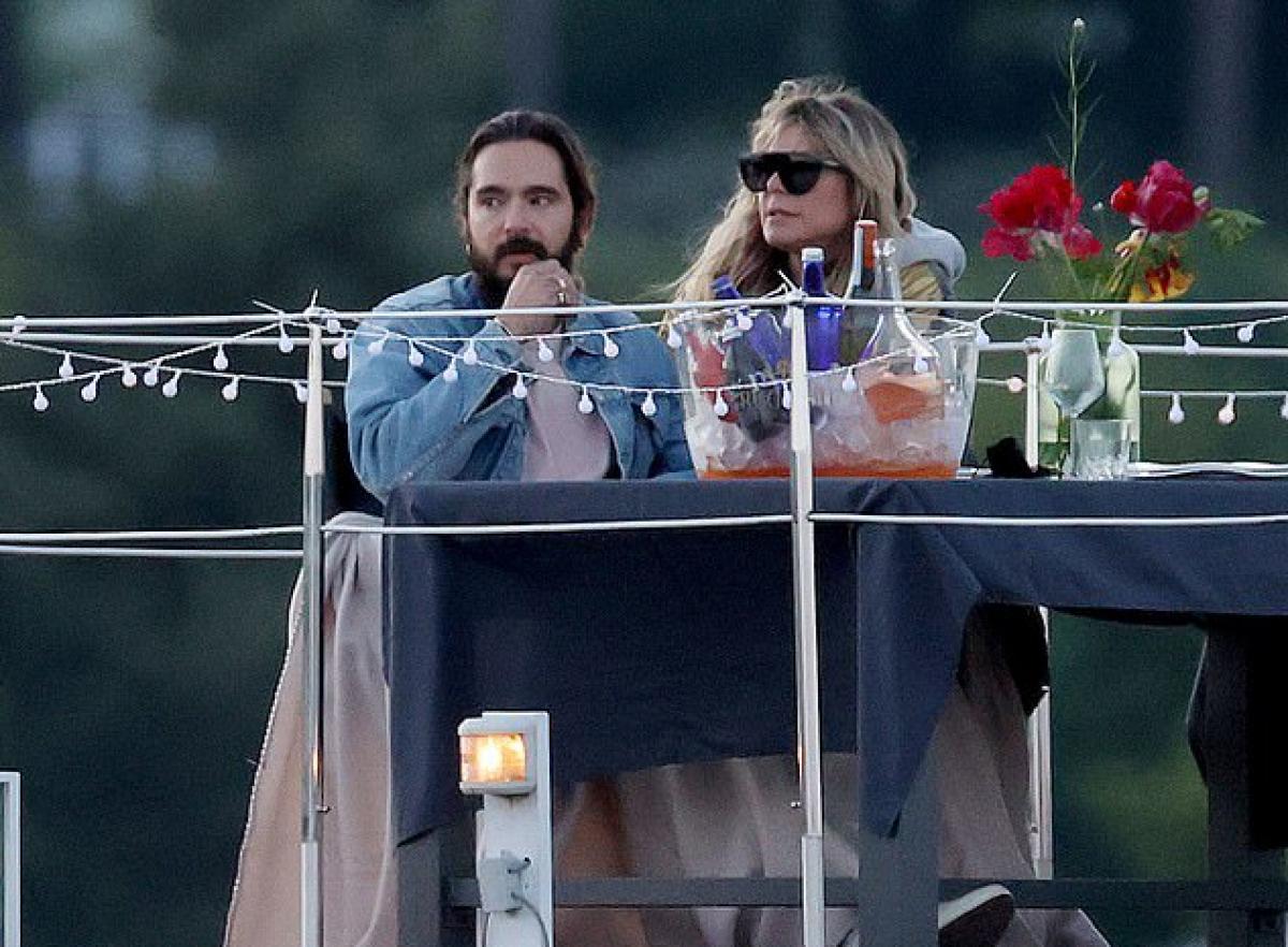 Heidi Klum và chồng trẻ 'khóa môi' lãng mạn trên hồ Wannsee ở Berlin Ảnh 5