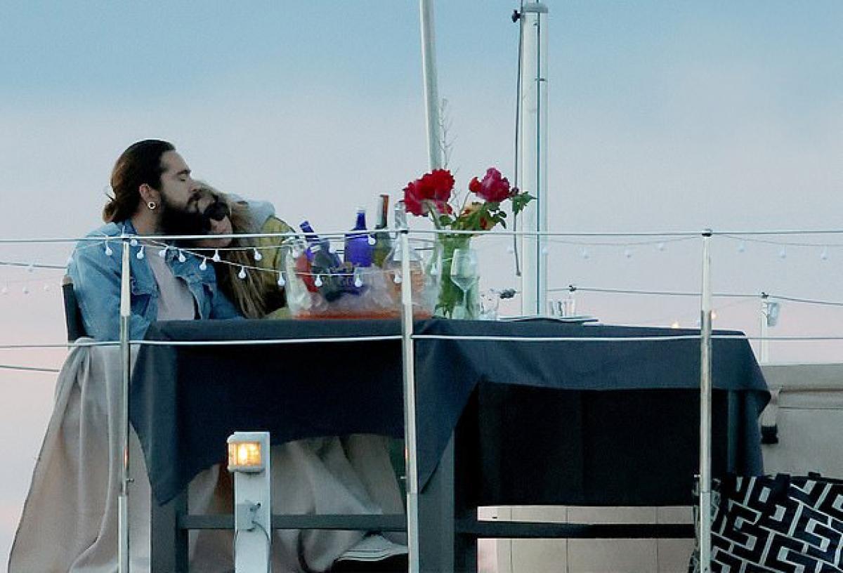 Heidi Klum và chồng trẻ 'khóa môi' lãng mạn trên hồ Wannsee ở Berlin Ảnh 3