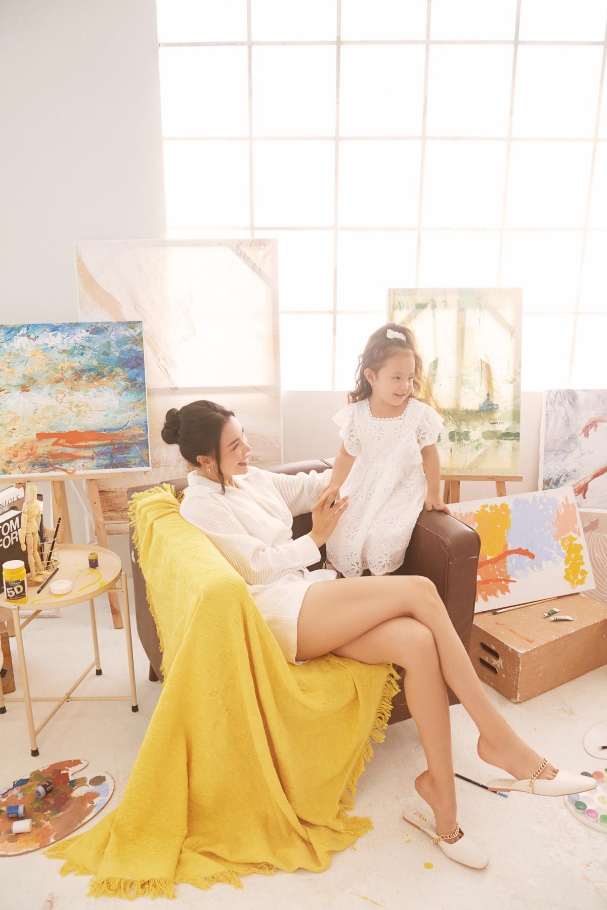 Trà Ngọc Hằng: 'Người lớn hãy vẽ những mảng màu đẹp đẽ cho con' Ảnh 10