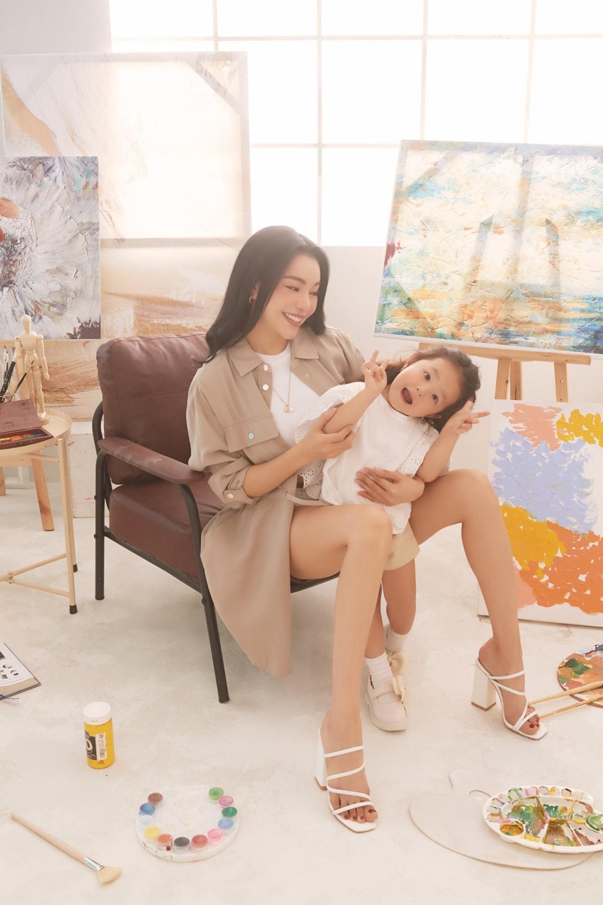 Trà Ngọc Hằng: 'Người lớn hãy vẽ những mảng màu đẹp đẽ cho con' Ảnh 4