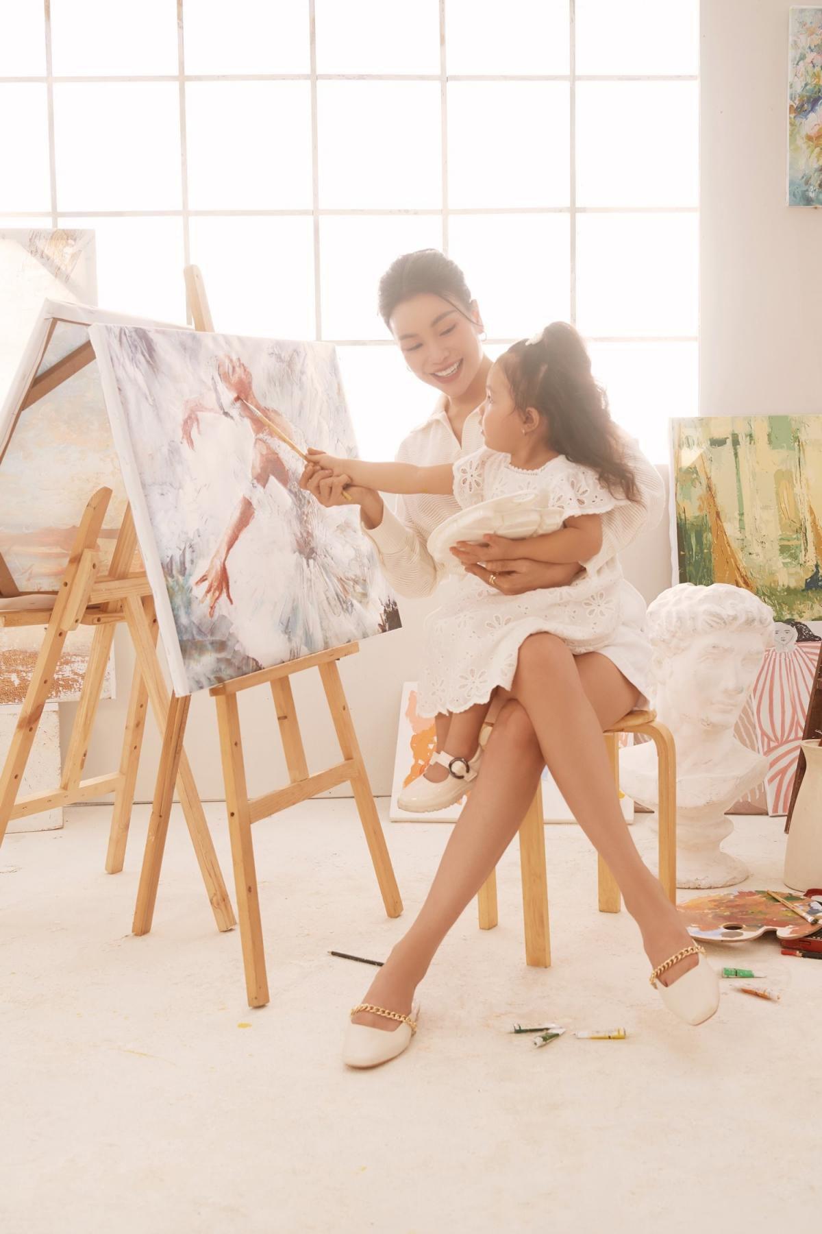 Trà Ngọc Hằng: 'Người lớn hãy vẽ những mảng màu đẹp đẽ cho con' Ảnh 12