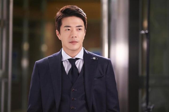 Hôn nhân của Kwon Sang Woo: Từ tin đồn 'đào mỏ' đến gia đình danh giá nhất Kbiz Ảnh 10