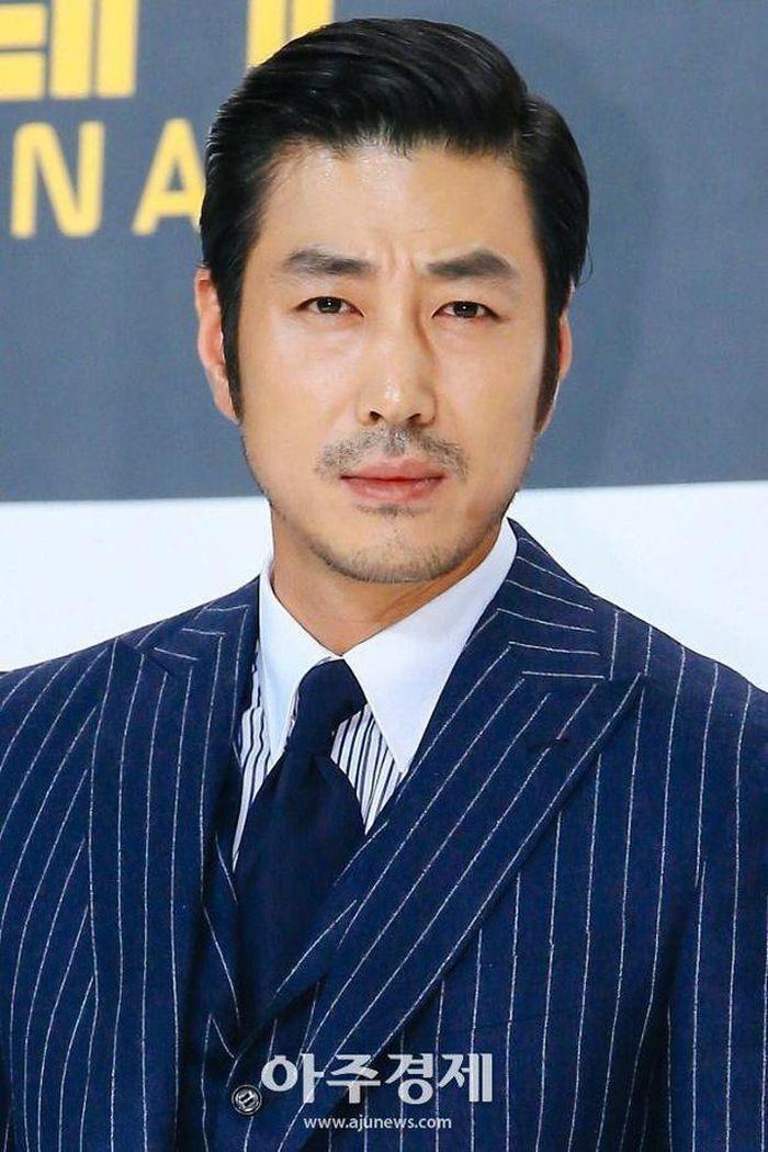 Hôn nhân của Kwon Sang Woo: Từ tin đồn 'đào mỏ' đến gia đình danh giá nhất Kbiz Ảnh 7
