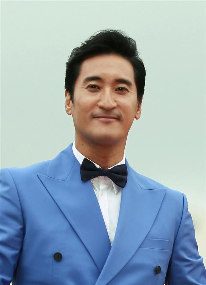 Hôn nhân của Kwon Sang Woo: Từ tin đồn 'đào mỏ' đến gia đình danh giá nhất Kbiz Ảnh 6