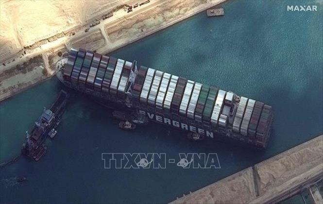 Hãng bảo hiểm của tàu Ever Given quy một phần lỗi cho Cơ quan quản lý Kênh đào Suez Ảnh 1