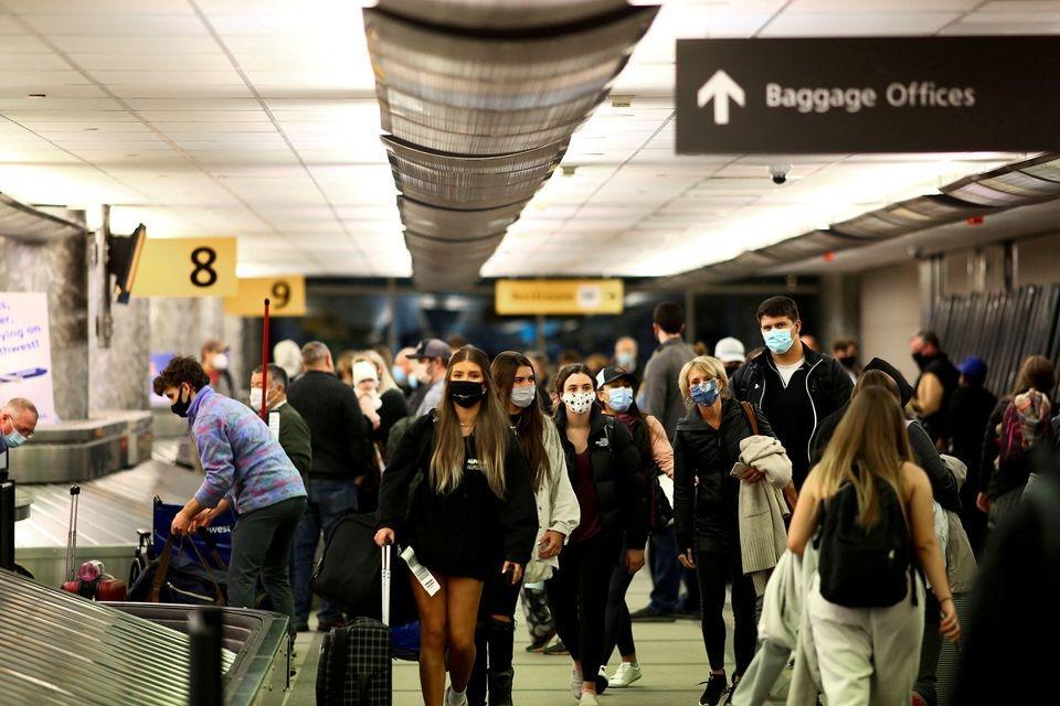 Covid-19: Các hãng hàng không lớn kêu gọi Mỹ nới lỏng hạn chế đi lại Ảnh 1
