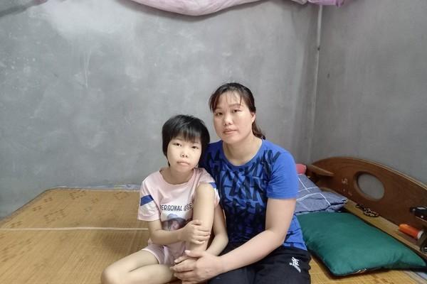 Cả nhà phải cách ly, bé gái ung thư cần giúp đỡ để có tiền tái khám Ảnh 2