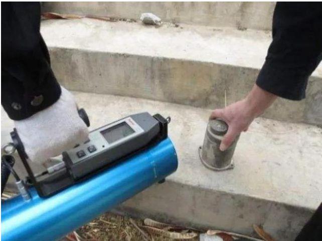 Người thợ xây nhặt được khối sắt nhỏ, về nhà bỗng buồn nôn: Mở đầu thảm họa phóng xạ chấn động TQ, tàn phá 150 cuộc đời! Ảnh 3