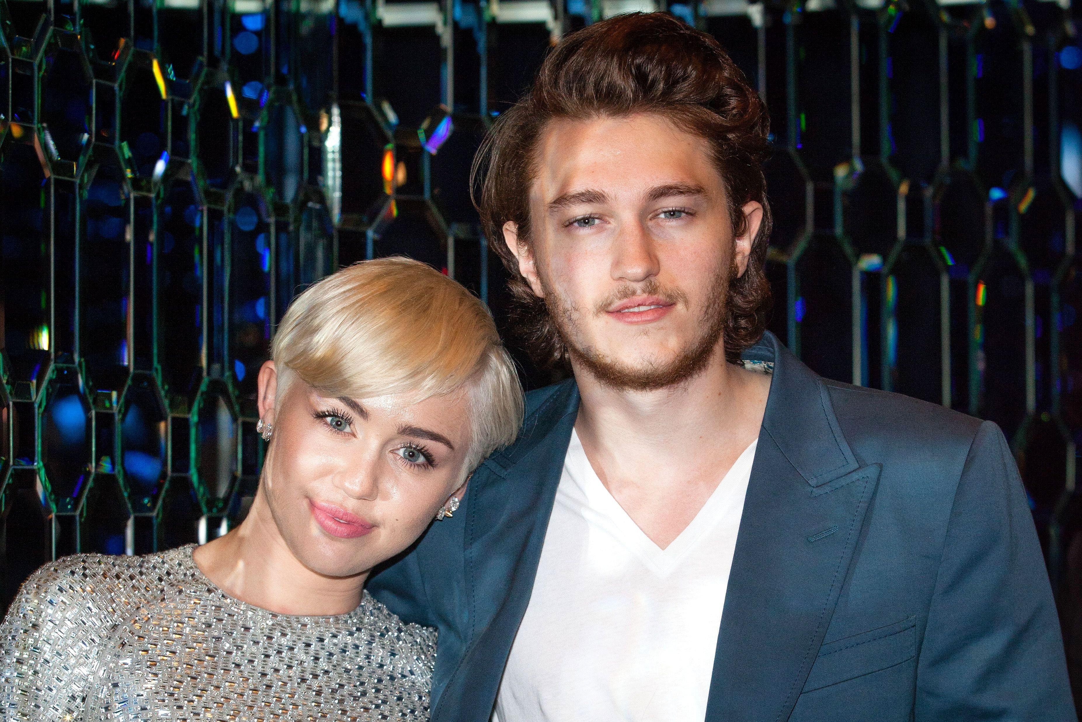 Gia đình Miley Cyrus đón thành viên mới Ảnh 2