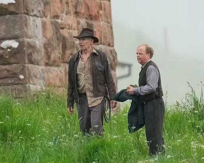 Tuổi 78, tài tử Harrison Ford vẫn mạo hiểm với 'Indiana Jones 5' Ảnh 2