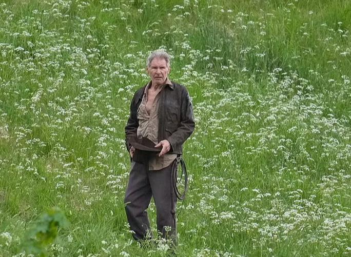 Tuổi 78, tài tử Harrison Ford vẫn mạo hiểm với 'Indiana Jones 5' Ảnh 1
