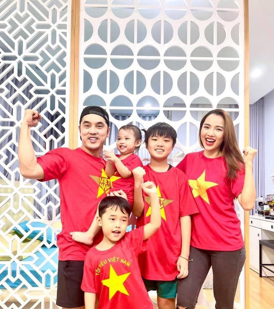 Dàn Hoa hậu, Á hậu nô nức cổ vũ, vỡ òa khi đội tuyển Việt Nam thắng 2-1 trước Malaysia Ảnh 7