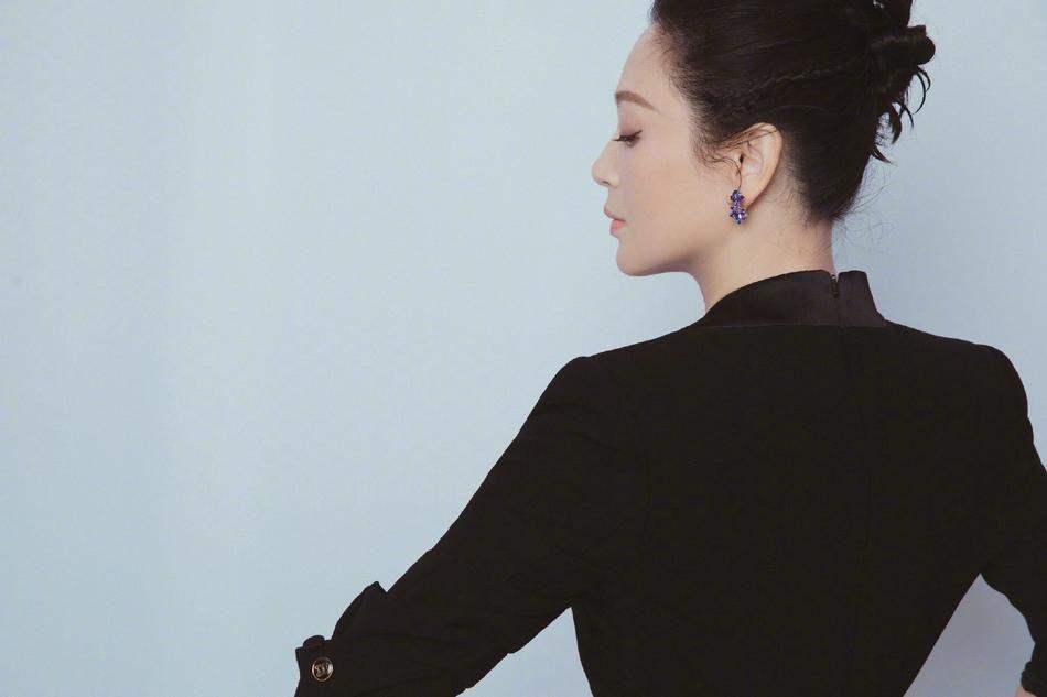 Nhan sắc tuổi 52 của 'Nữ diễn viên xinh đẹp nhất Trung Quốc' Ảnh 4