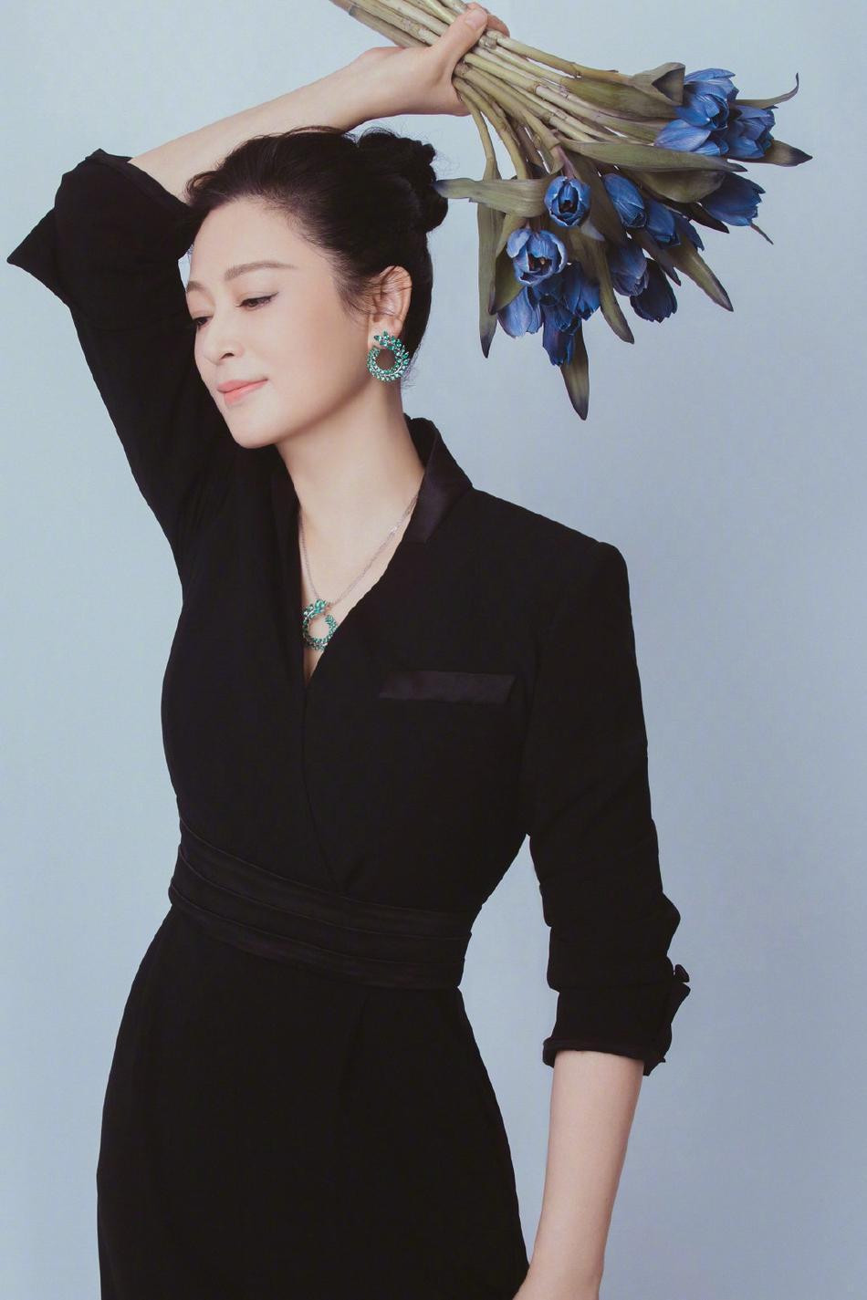 Nhan sắc tuổi 52 của 'Nữ diễn viên xinh đẹp nhất Trung Quốc' Ảnh 3