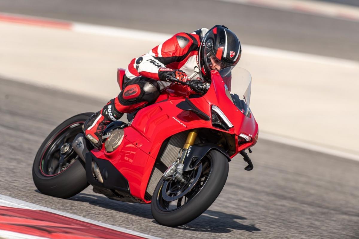 Ducati Panigale V4 lộ diện với mức giá hơn 700 triệu đồng Ảnh 1