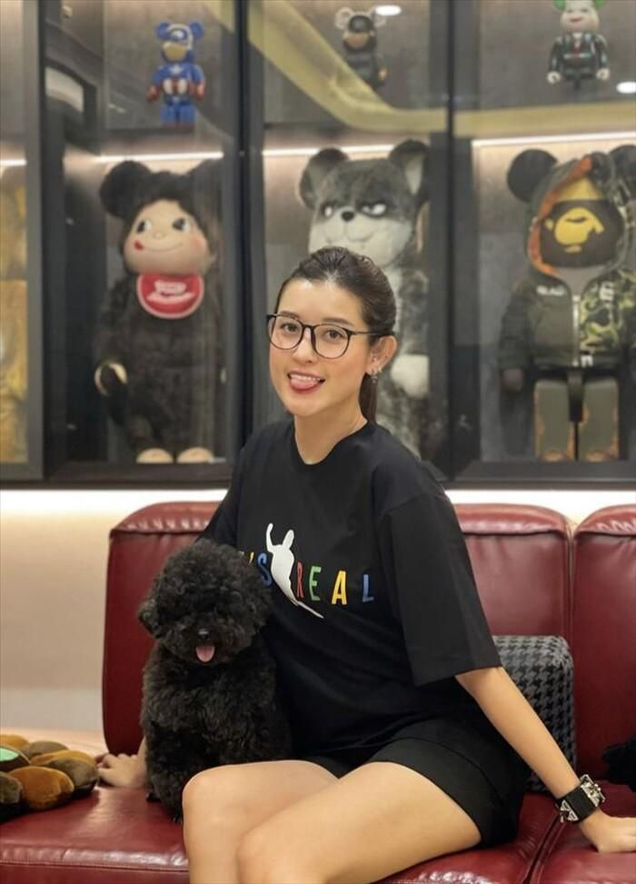 Á hậu Huyền My bắt trend áo 'ngã lươn' của Văn Toàn, dự đoán tỉ số bất ngờ với UAE Ảnh 4