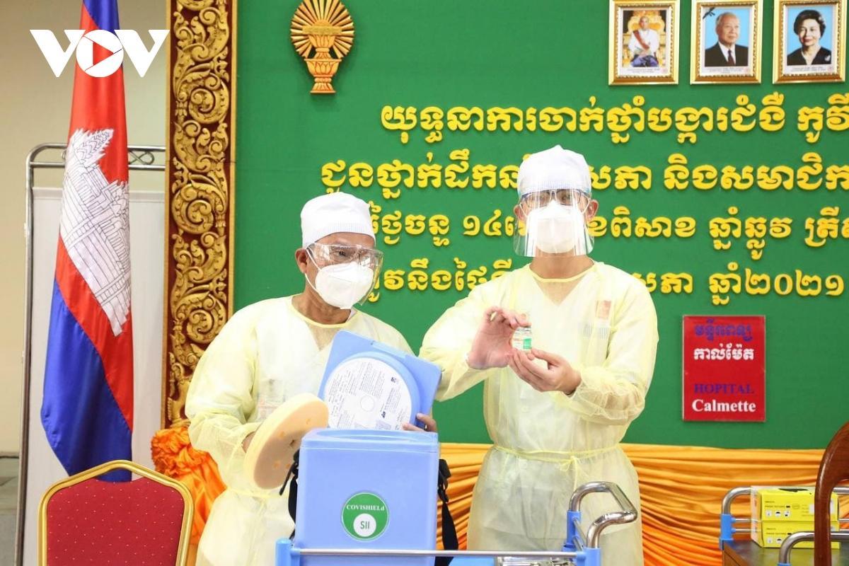 Campuchia có kế hoạch tiêm phòng Covid-19 cho khoảng 10 triệu người vào tháng 11 tới Ảnh 1
