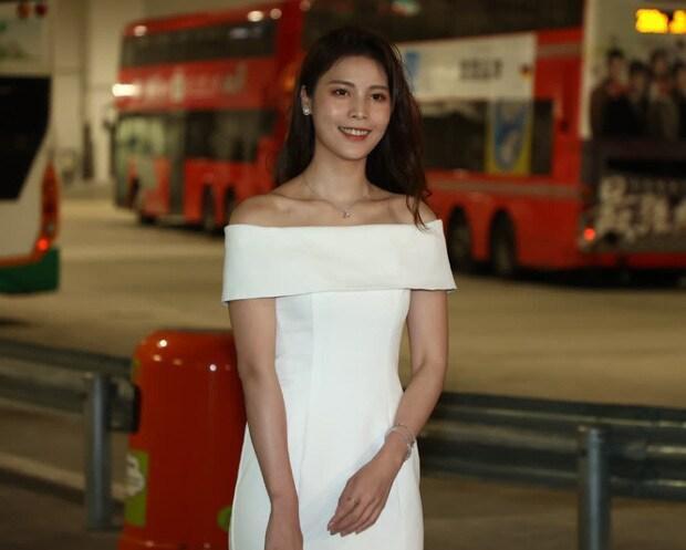 'Phát hoảng' với dàn thí sinh Hoa hậu Hồng Kông: Già nua, ăn mặc phản cảm Ảnh 8