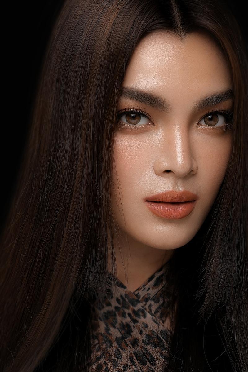 Người đẹp chuyển giới Trân Đài được khen hết lời khi 'cosplay' Song Hye Kyo Ảnh 3