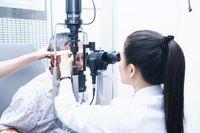 Vẩn đục dịch kính - khi nào cần đến bác sĩ?