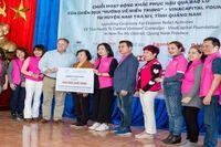 Tài trợ 460 triệu đồng hỗ trợ người dân miền Trung khắc phục hậu quả bão lũ