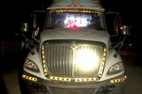 Điều tra vụ thi thể người đàn ông bị xe container kéo đi 60 km