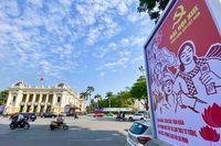 TP.Hà Nội: Trang trí trên các tuyến phố trọng điểm chào mừng Đại hội Đảng