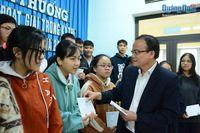 Khen thưởng đột xuất 25 học sinh đạt học sinh giỏi Quốc gia