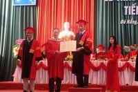 Trường ĐH Kinh tế (ĐH Đà Nẵng) trao bằng tốt nghiệp cho tân Tiến sĩ, Thạc sĩ