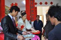 Nghĩ vợ không dám giận, chú rể có hành động quá đáng với bố vợ trong đám cưới và cái kết
