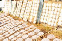 Hương vị quê nhà: Bánh tráng kỷ niệm
