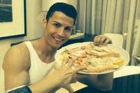 Ronaldo có một thói quen xấu trong ăn uống