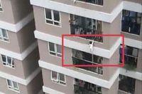 Bé gái rơi từ tầng 13 chung cư: Thanh tra việc chấp hành các quy định bảo đảm an toàn cho trẻ em