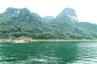 Sắc Xuân nơi con sông Đà chảy vào đất Việt