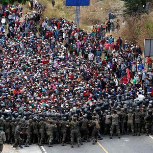 Người di cư đổ về biên giới Mỹ chờ chính quyền mới, cấp dưới ông Biden nói gì?