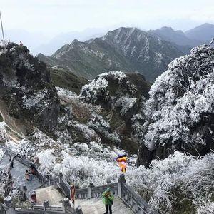 Hà Nội hửng nắng, Trung Bộ rét đậm, vùng núi cao 0 độ C