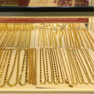 Giá vàng trong nước cao hơn thế giới khoảng 4,3 triệu đồng/lượng