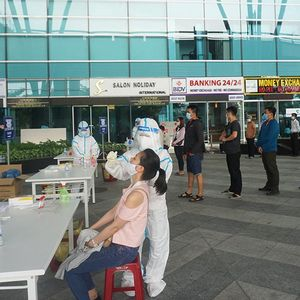 2.000 nhân viên sân bay Đà Nẵng lấy mẫu xét nghiệm Covid-19